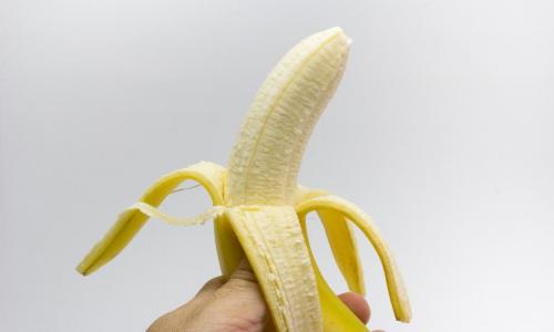 Кому нельзя есть бананы: ответ врача-диетолога