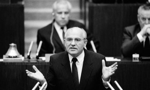 Горбачев назвал разрушившие СССР удары
