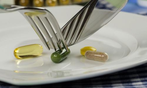 Врач предупредил об опасности длительного приема популярных препаратов