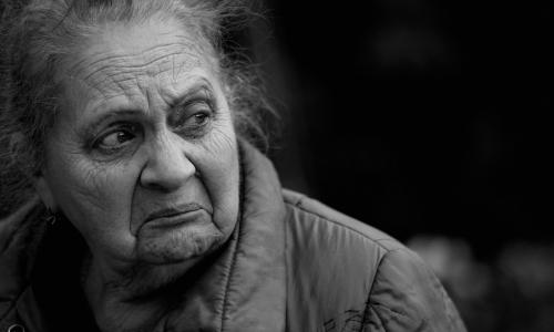 Придется работать дольше. Пенсионный возраст повысят до 65/70 лет